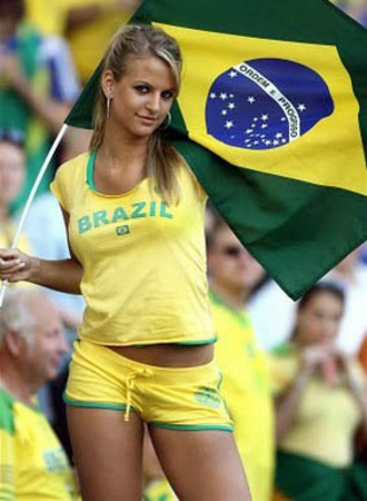 Sexy-World-Cup-Fans-14.jpg